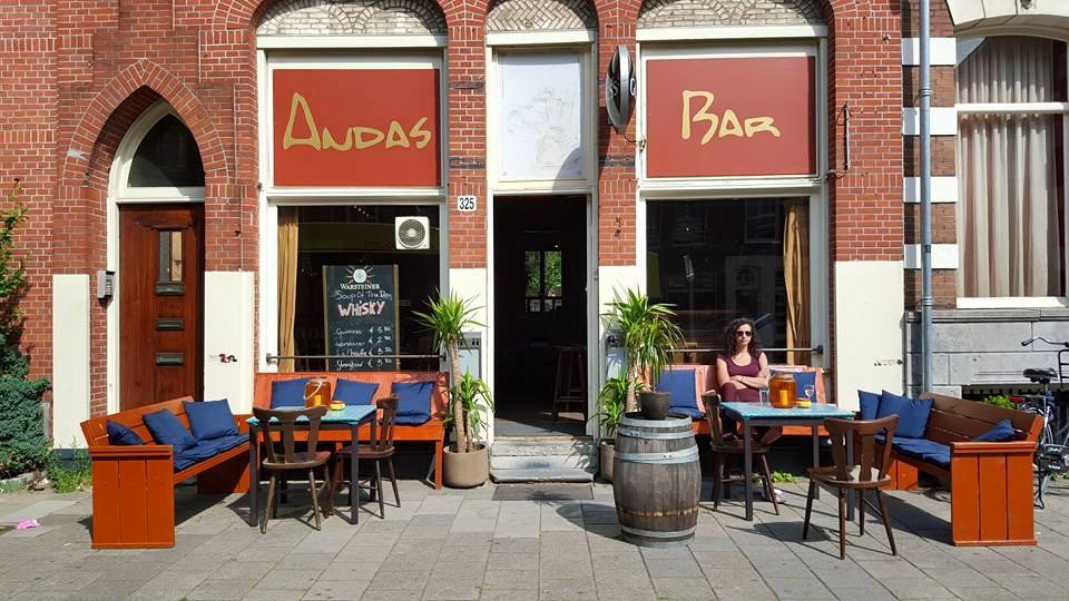 Andas Bar